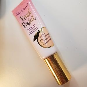 Too Faced Peach perfect foundation Porcelain